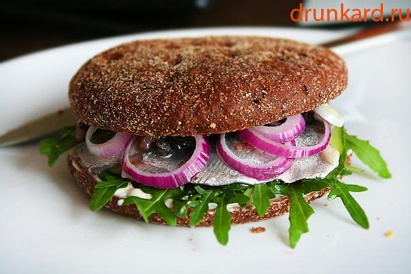 сандвич с рыбой