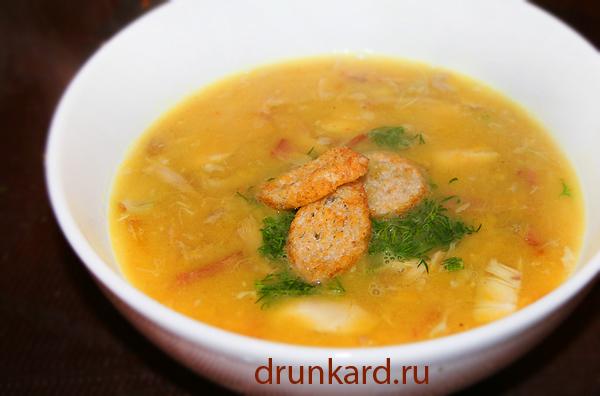 Гороховый суп с курицей и беконом
