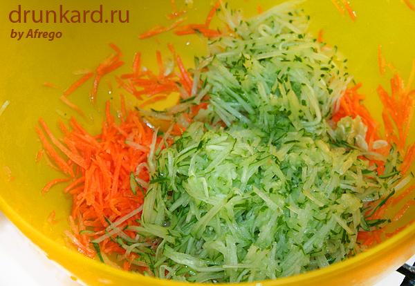 Простой салат из молодых овощей