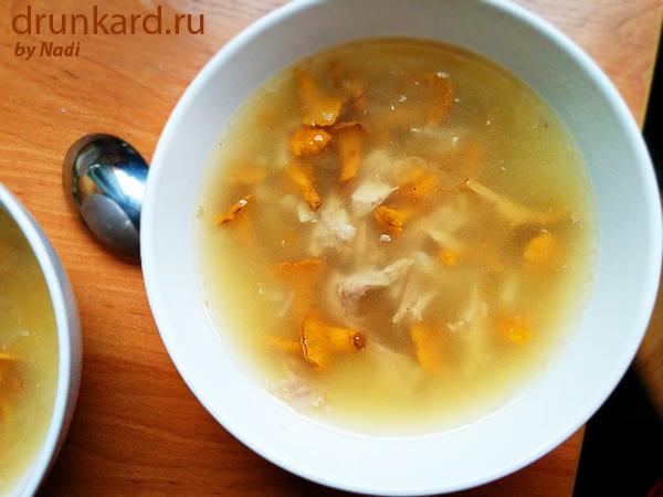 куриный суп с лисичками