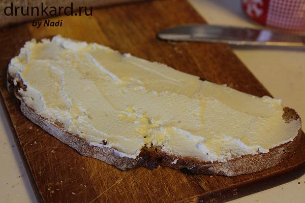 бутерброд с сыром и пикулями