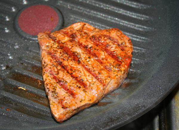 Жареного мяса на сковороде