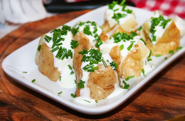 Картошка с курицей и грибами со сметаной