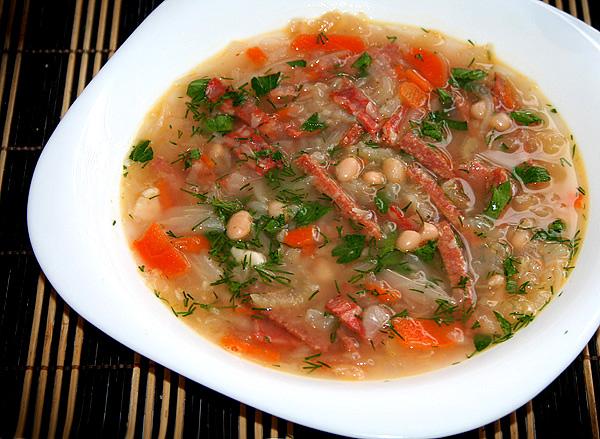 Суп с фасолью консервированной и колбасой рецепты