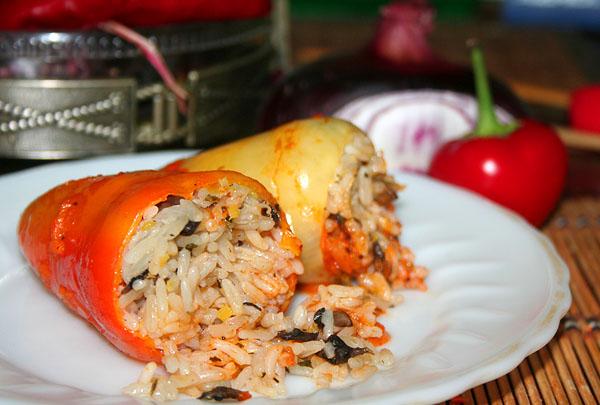 Перец фаршированный с рисом и сыром рецепт